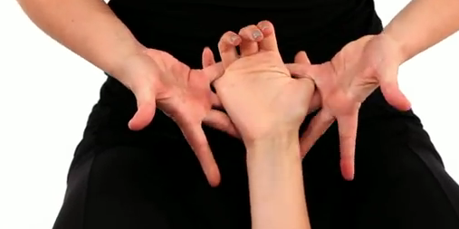 Hand massage tips : opening palm and back of wrist